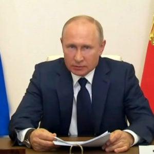 Putin 'tả tơi' vì viêm phổi Vũ Hán