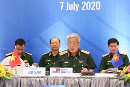 """Tướng Vịnh nói """"quan ngại"""" về Biển Đông tại hội nghị Quốc phòng ASEAN"""
