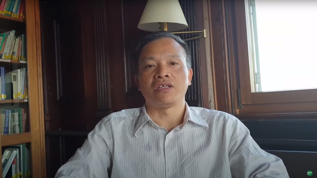 Nhà văn Phạm Thành, nhà báo Nguyễn Tường Thụy, nhà thơ Trần Đức Thạch (bìa trái sang).