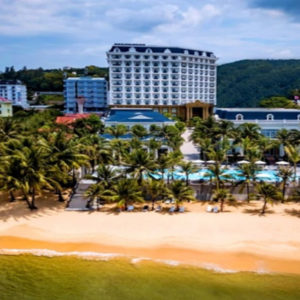 Vietnam's Government confused while the tourism sector exhausted because of COVID-19's reoccurrence