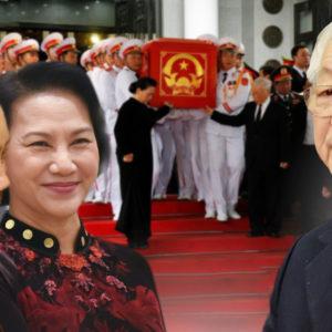 Tay chân run rẩy – Nguyễn Phú Trọng cố lên hình