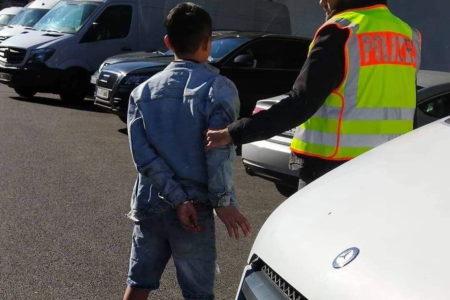 Gần 200 cảnh sát cùng nhân viên sở thuế kiểm tra lớn trong TTTM Đồng Xuân Berlin