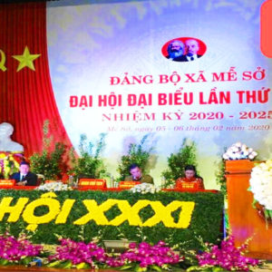 Party units across Vietnam freely buy expensive gifts for congress delegates