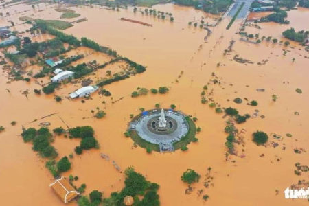 Hundreds of people die from floods – Natural disasters or man-made ones?
