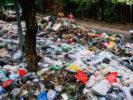 """Ba Đình ngập trong """"xú uế"""" – 10.000 tấn rác rác rải khắp thủ đô"""
