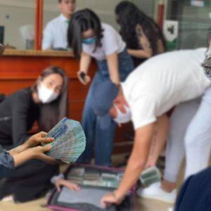 Vượt cuồng phong – Thủy Tiên mang tiền tới cứu miền Trung