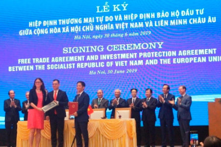 Who is the biggest beneficiary of RCEP?