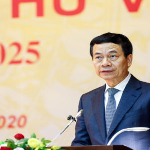"""Tranh ghế Bộ Chính trị – Bộ trưởng Hùng đòi """"cắt luôn"""" Facebook tại Việt Nam"""