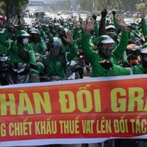 Nhà cầm quyền bóc lột giới cần lao – tài xế GrabBike đồng loạt biểu tình