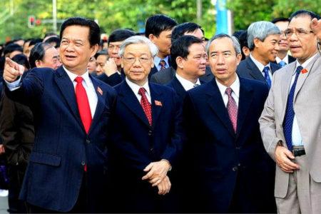 Kinh tế Việt Nam 2021: 'Sếu đầu đàn' cất cánh có nhớ 'quả đấm thép'?
