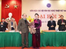 Vietnamese top legislator urges arts associations to strictly follow party's policies