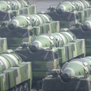 """Tàu sân bay Trung Quốc """"đối đầu"""" – độc chiếm Biển Đông"""