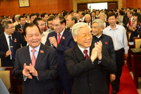 Chưa làm gì được Lê Thanh Hải, ông Trọng quần Lê Tấn Hùng?