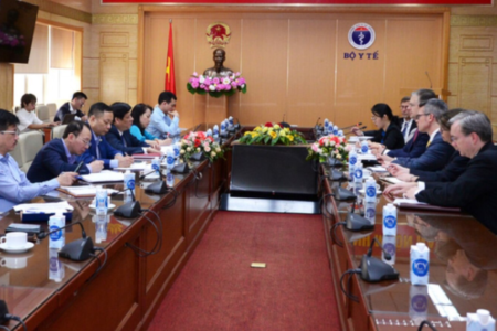 Ambassador Kritenbrink: US and Vietnam will work together to resolve currency disputes