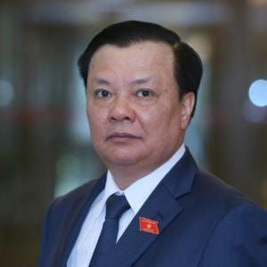 """Mới về Hà Nội, Đinh Tiến Dũng lại """"đánh bồi"""" Nguyễn Đức Chung?"""