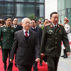Giữa Nguyễn Phú Trọng và Phạm Minh Chính, Tô Lâm chọn theo ai?