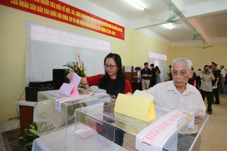 Law specialist: Suppression of self-nominated candidates for Vietnam's National Assembly causes fear of political participation