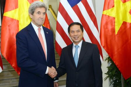 Tân Bộ trưởng Ngoại giao Việt Nam đứng trước thuận lợi và thách thức gì?
