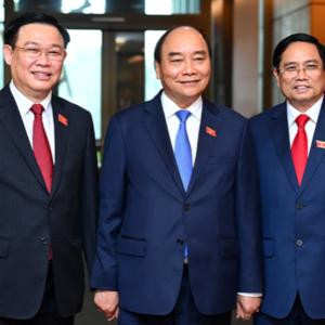 Nguyễn Phú Trọng dáng đi như bại liệt, Phạm Minh Chính mừng thầm?