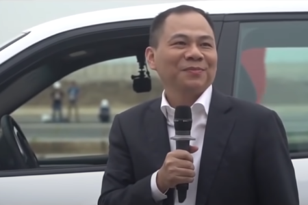 """What are the """"common things"""" of the super-rich in Vietnam?"""