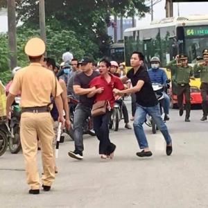 Tòa bị cho phi lý trong vụ dân kiện trưởng công an huyện Sóc Sơn liên quan đến BOT Bắc Thăng Long-Nội Bài