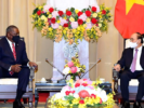Minister Austin promotes defense relations with Vietnam, not requiring Hanoi to choose side