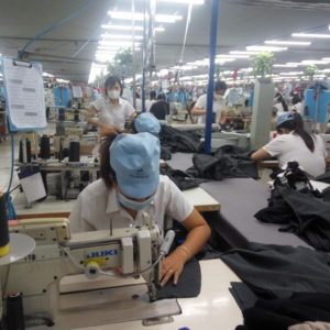 """Covid: Vietnam abandons """"three on-site"""" model with Southern businesses"""