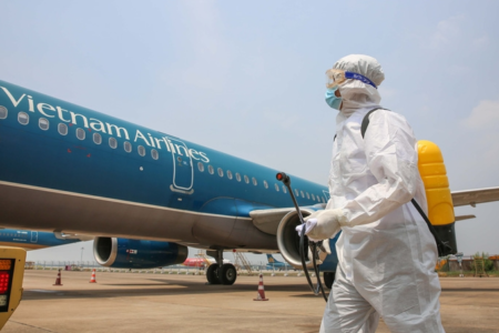 Vietnamese airlines face bankruptcy risk due to COVID-19