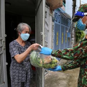 Thành phố Hồ Chí Minh: Bảy ngày tăng cường giãn cách số ca nhiễm vẫn tăng, thu xử phạt gần chín tỷ đồng