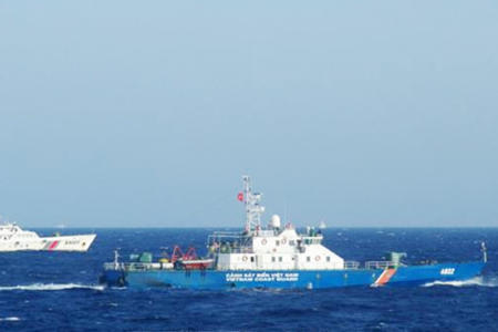 Expert: Vietnam should continue to exercise freedom of navigation, challenge China's claims