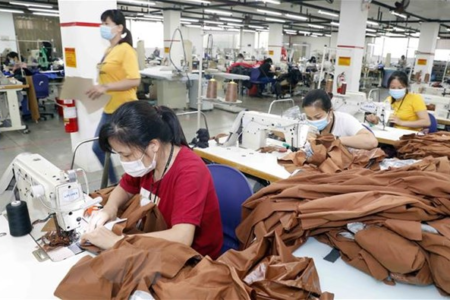 Vietnam's textile and garment industry likely fail to get its export target in 2021